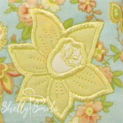 Spring Quilt Daffodil by Shelly Smola