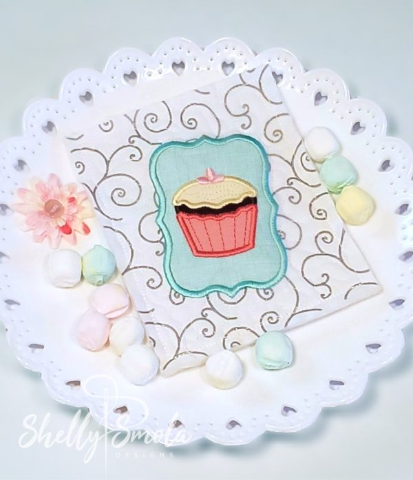Embroidered Tea Time Quilt Cupcake