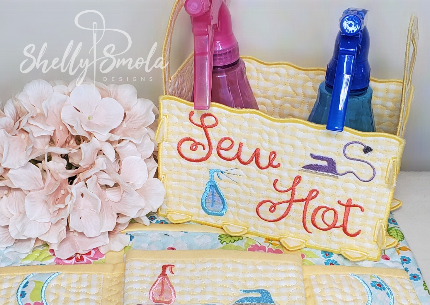 Sew Hot Projects by Shelly Smola